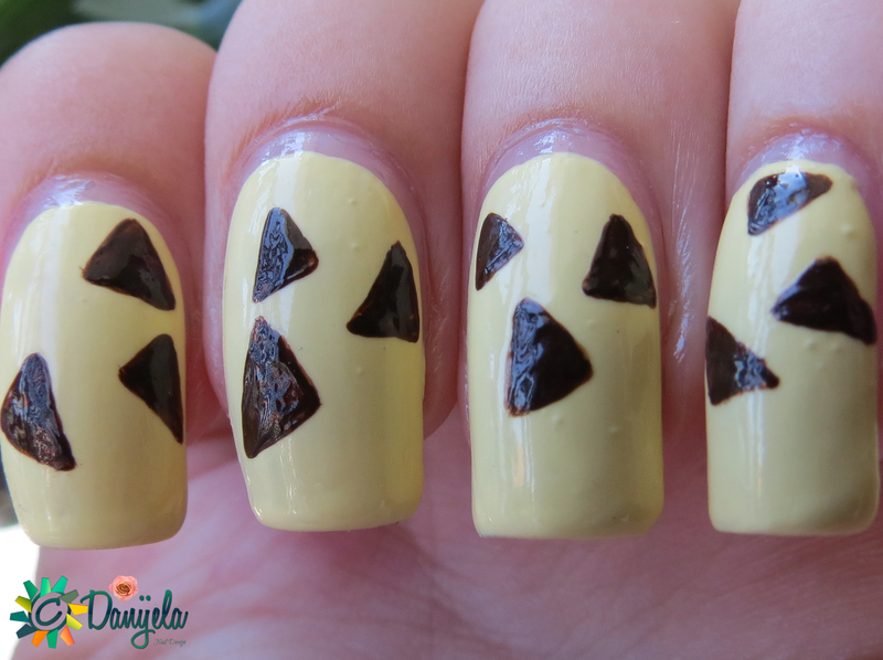 Brown triangles nail art by bydanijela