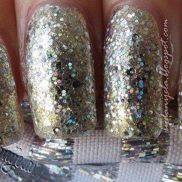 Silver holographic manicure nail art by bydanijela