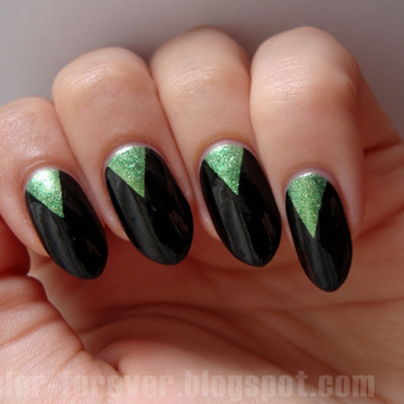 green triangles nail art by ania