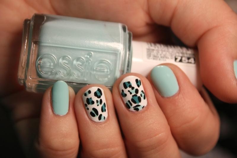 Minty Leopard nail art by moon doggo