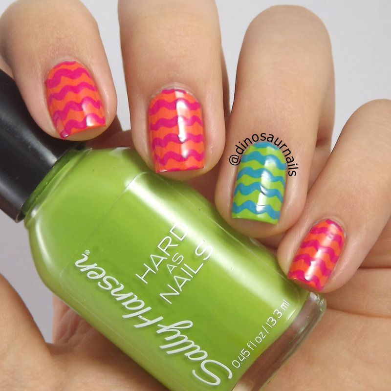 Lokki nail art by  Vanesa