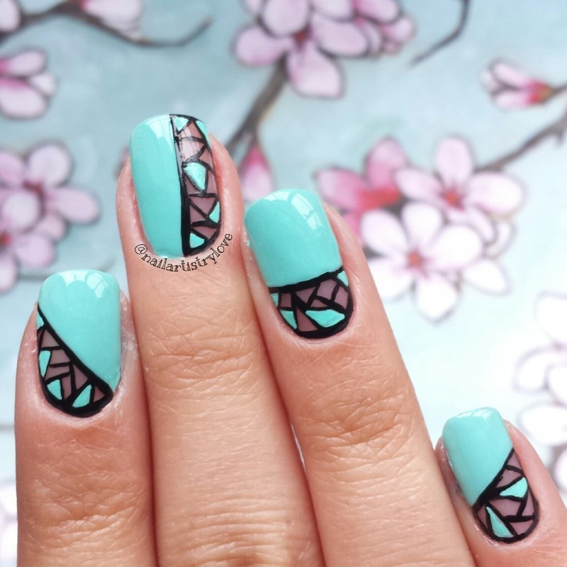 Geometric nail art by Julia