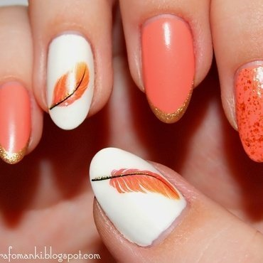 Feather nail art by Paulina Domoradzka