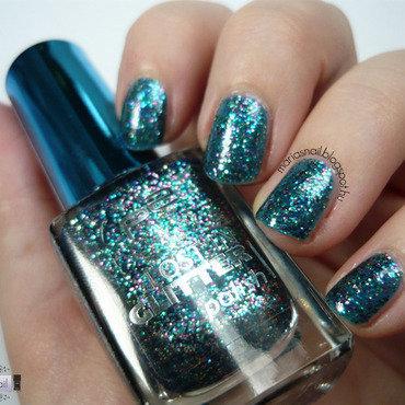 We <3 Glitters nail art by Maria