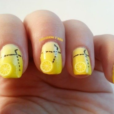 Lemonade nail art by Ana