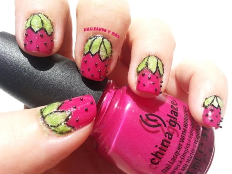 Straberries Nails nail art by Ana