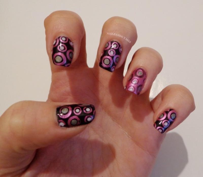 Black & Pink Polka Dots nail art by Ana