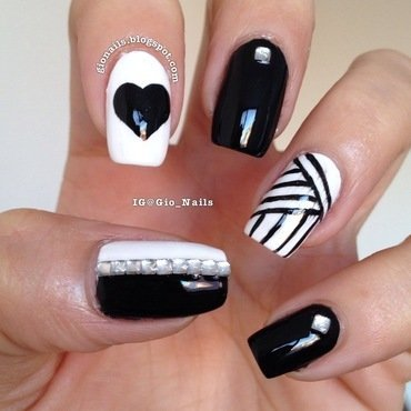 Black and White nail art by Giovanna - GioNails