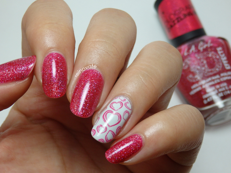 Scattered Holo Hearts nail art by Rei