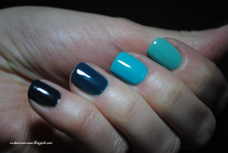 blue ombre mix nail art by Niska