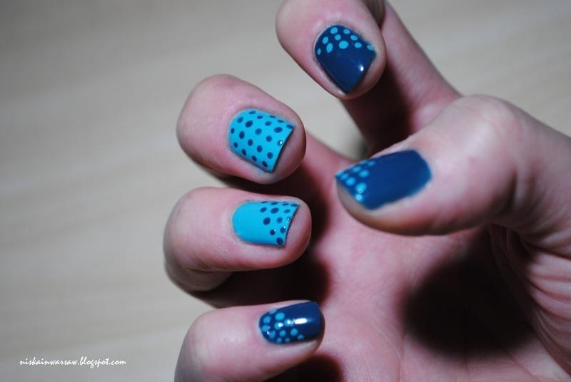 dotty nails nail art by Niska