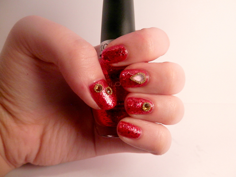 red jewellery nail art by Enni