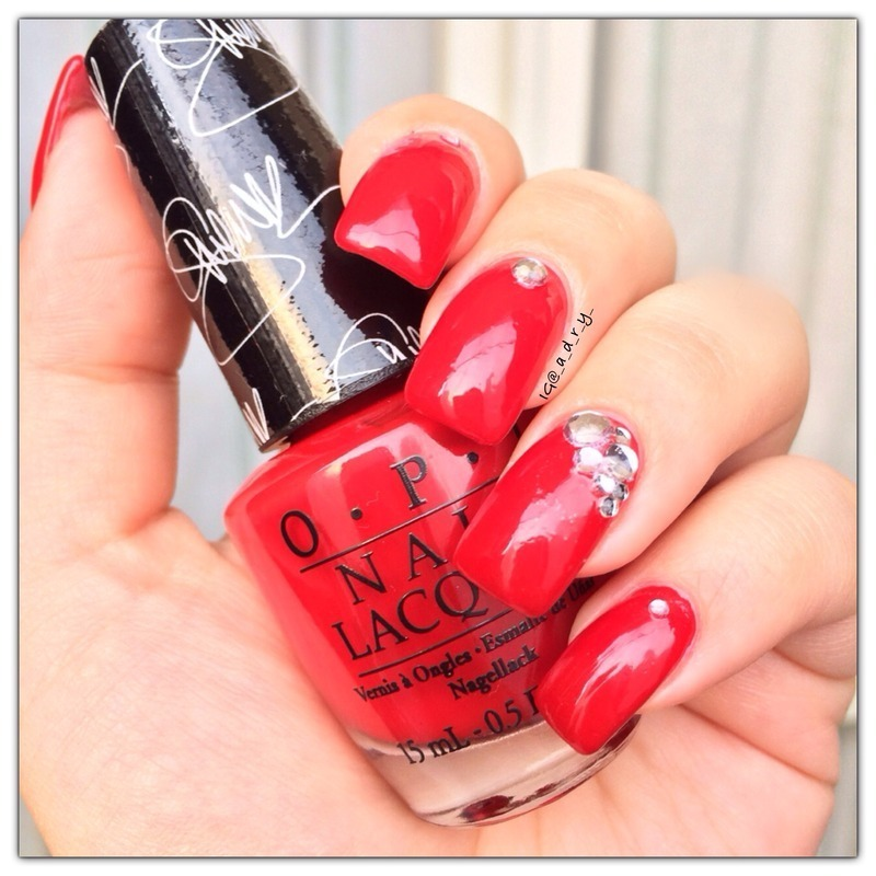❤️ Over & Over A-Gwen ❤️ nail art by Adriana