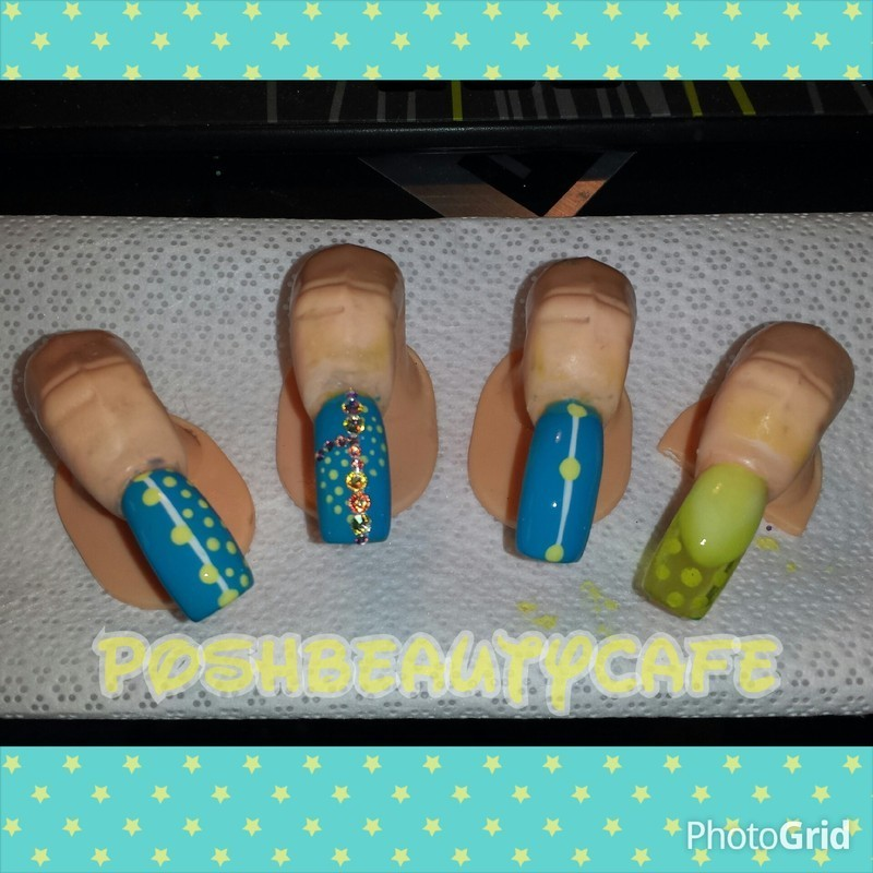 dotty nail art by Nika ashfaq
