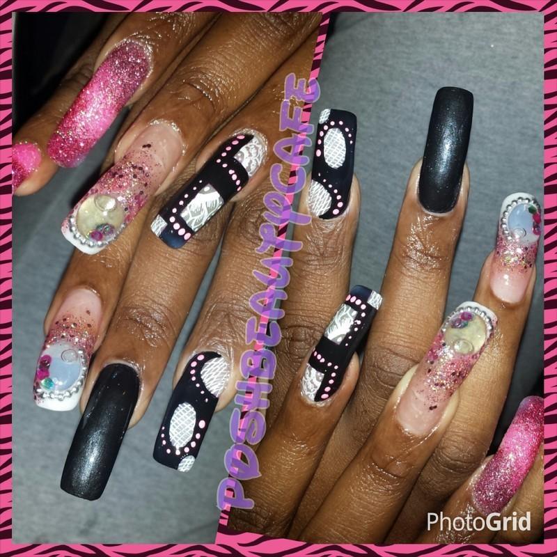 bubble lace nail art by Nika ashfaq
