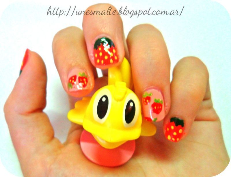 frutillas nail art by mariana