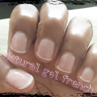 au natural nail art by Nika ashfaq