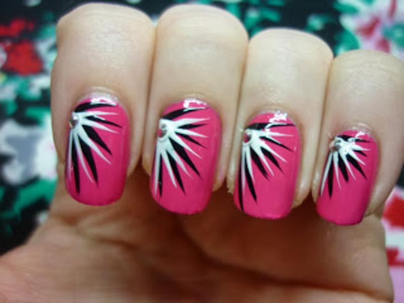 Nailart | Black and white stripes  nail art by Mandy