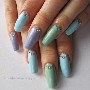 Calm Pastels nail art by Yue
