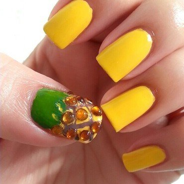 Pineapple nail art by Ximena Echenique