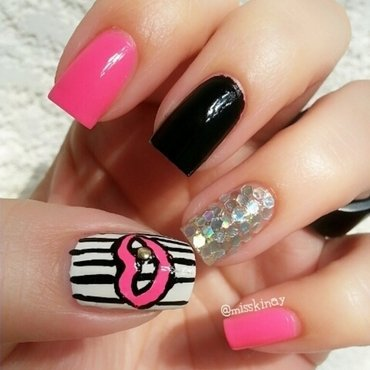Gold Tooth nail art by Ximena Echenique