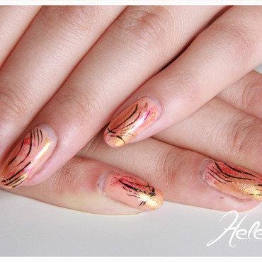 Abstract nail art by LÊ Hélène