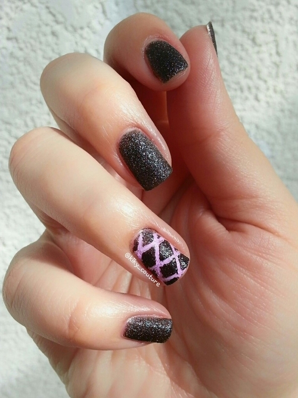 3D Pattern nail art by Ximena Echenique