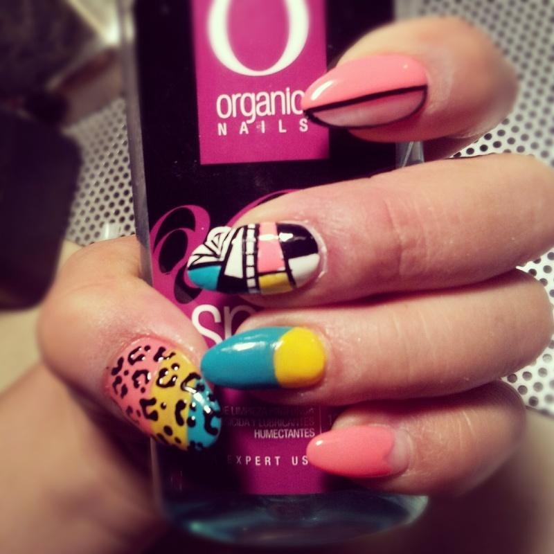 Retronailz nail art by Valeria Ramirez
