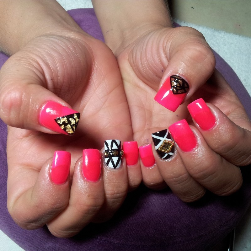 Retronailz nail art by Valeria Ramirez