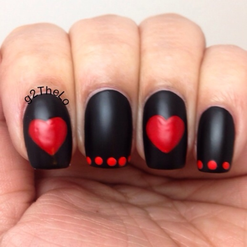 Black heart  nail art by Gloria  Loeza