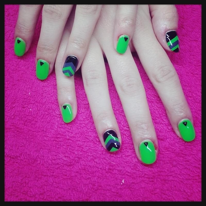 Peak Neon Green nail art by BoogieNails