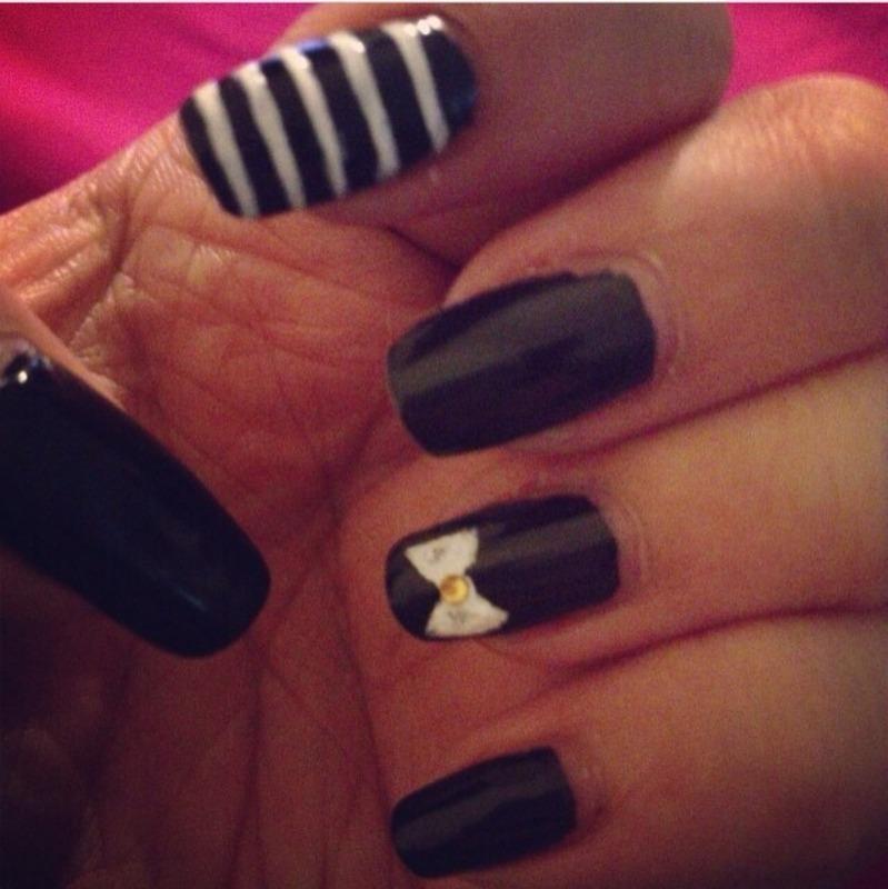 Stripes & bows nail art by Jeannie_Thai
