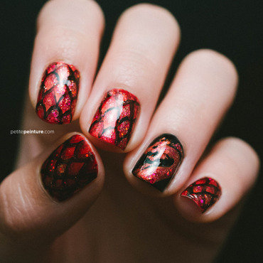 Game of Thrones | House Targaryen nail art by Petite Peinture
