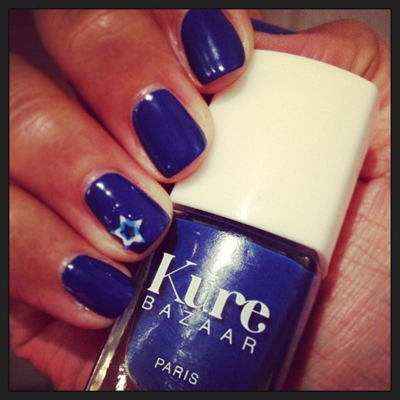 Blue sky nail art by PumpUrNails by Chrisblackpink
