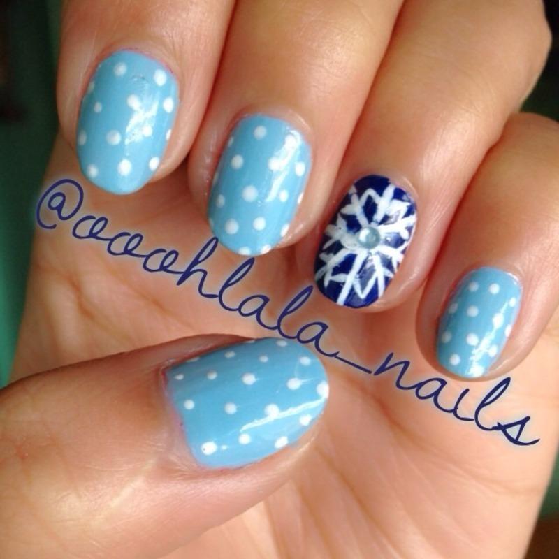 Winter Nails (snowflakes) nail art by Sarrah Venzon