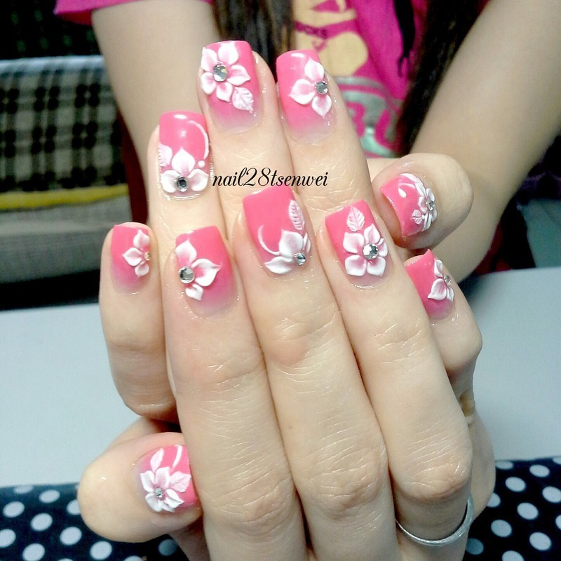 3d flower nail art by Weiwei