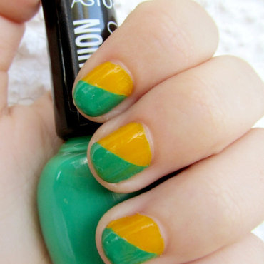 Manicura brasileña nail art by Vintage_Nails