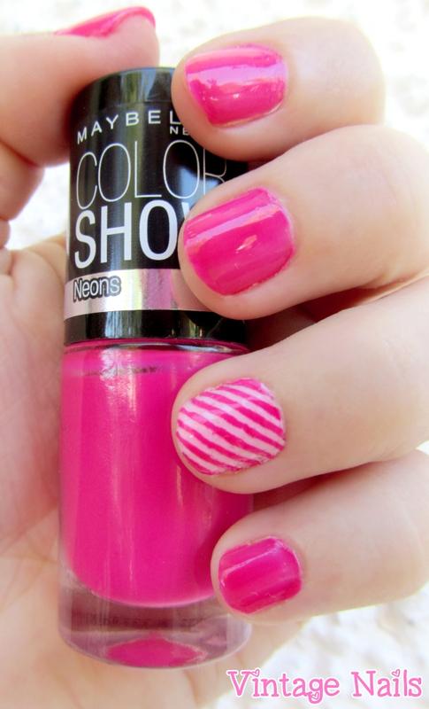 Manicura rosa a rayas (versión discreta) nail art by Vintage_Nails