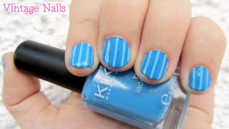 Manicura a rayas azules nail art by Vintage_Nails