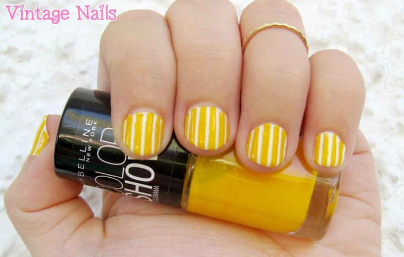 Manicura a rayas blancas y amarillas nail art by Vintage_Nails