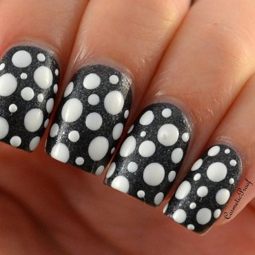 Black and White  nail art by Jayne
