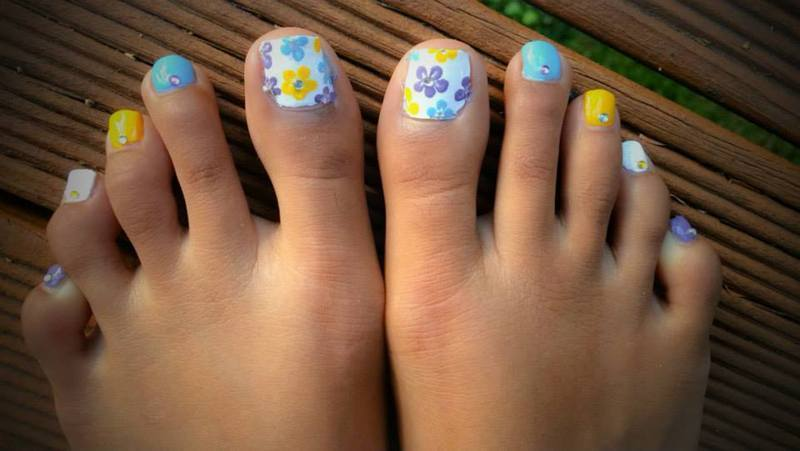 Spring Flowers nail art by Nikita Natali