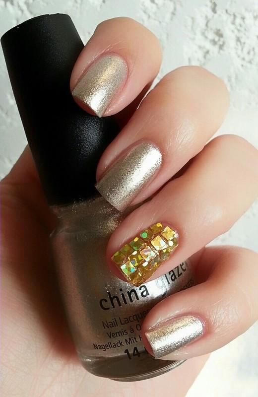 Glitter Placement nail art by Ximena Echenique
