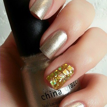 Glitter Placement nail art by Ximena Echenique