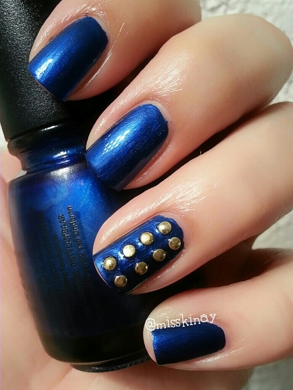 Jacket nail art by Ximena Echenique