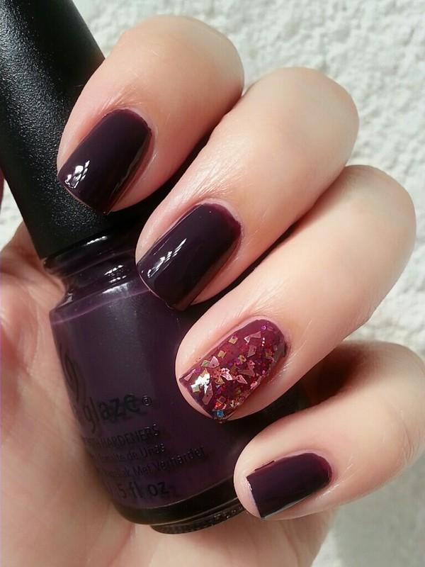 Vampy Look nail art by Ximena Echenique
