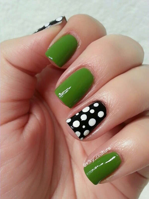 Green Amp Black Amp White Polkadots Nail Art By Ximena