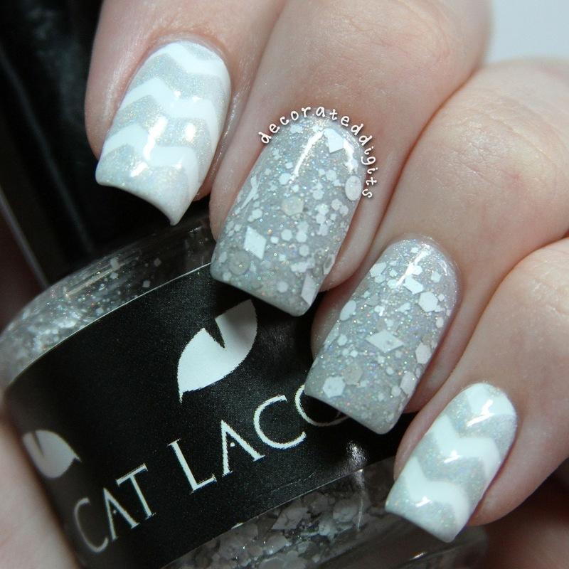 White winter mani nail art by Jordan