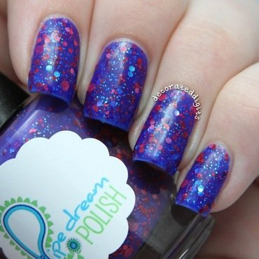 Hotter Than A Fantasy swatch nail art by Jordan