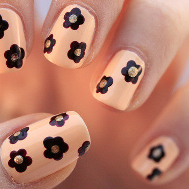 Dotted flowers1 thumb370f